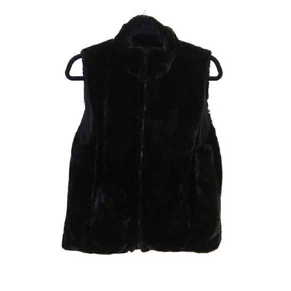 Cejon Jackets & Blazers - Cejon faux fur vest. Black. Size Medium.